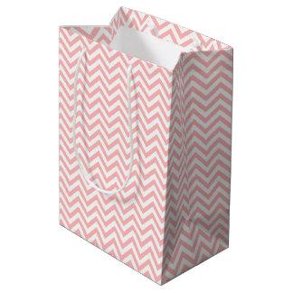 Sacola Para Presentes Média O ziguezague cor-de-rosa e branco listra o teste
