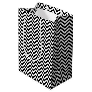 Sacola Para Presentes Média O ziguezague preto e branco listra o teste padrão
