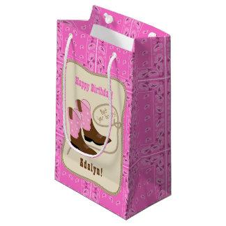 Sacola Para Presentes Pequena Botas & Bandana da vaqueira do rosa do feliz