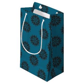 Sacola Para Presentes Pequena Design floral preto intrincado do medalhão