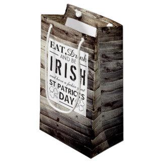Sacola Para Presentes Pequena Dia de São Patrício de madeira irlandês do vintage
