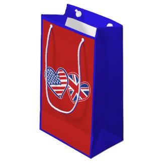 Sacola Para Presentes Pequena EUA e corações BRITÂNICOS da bandeira