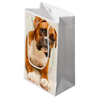 Sacola Para Presentes Pequena Filhote de cachorro do pugilista no contexto do