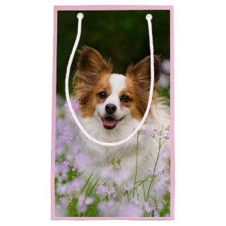 Sacola Para Presentes Pequena Foto bonito da cabeça do Spaniel de Papillon para