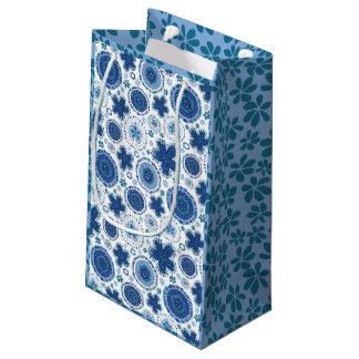 Sacola Para Presentes Pequena Grama orgânica do design w/blue do medalhão