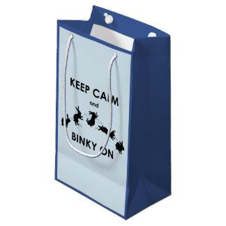 Sacola Para Presentes Pequena Mantenha a calma e o Binky no saco do presente