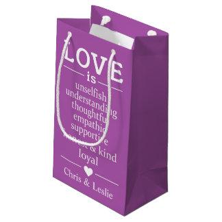 Sacola Para Presentes Pequena O amor é… saco pequeno feito sob encomenda do