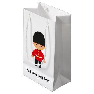 Sacola Para Presentes Pequena Pouco guarda real britânica (cabelo de Brown)