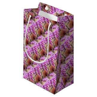 Sacola Para Presentes Pequena Profundamente - corrente de flor cor-de-rosa da