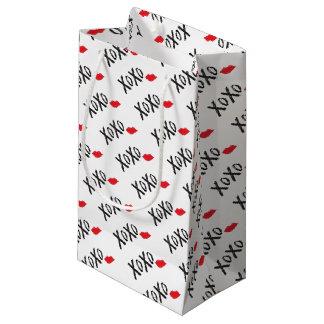 Sacola Para Presentes Pequena XoXo-Abraço-Beijo-com-Vermelho-Lábios