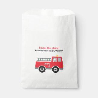 Sacolinha As bolsas do favor dos namorados da viatura de