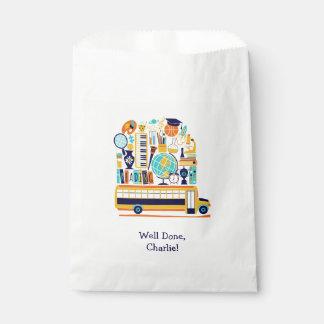 Sacolinha As bolsas feitas sob encomenda do favor da escola