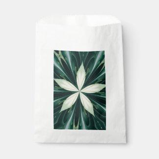 Sacolinha Folhas do branco em um caleidoscópio verde da