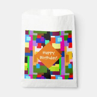 Sacolinha Os retalhos coloridos mergulham o aniversário