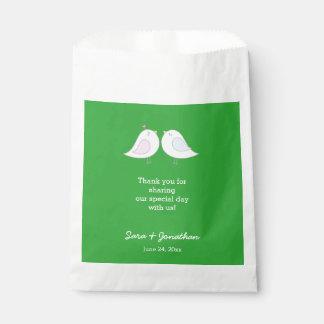 Sacolinha Pássaros do amor no obrigado verde do casamento
