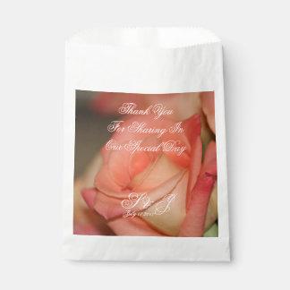 Sacolinha Saco cor-de-rosa do favor do casamento do pêssego
