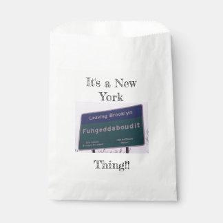 Sacolinha Saindo de Brooklyn New York Fuhgeddaboudit