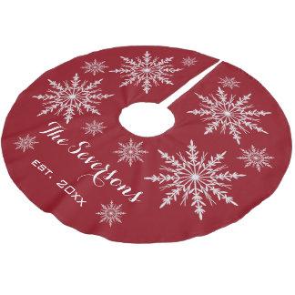 Saia Para Árvore De Natal De Poliéster Flocos de neve brancos no vermelho
