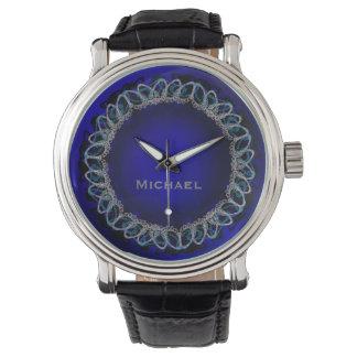 Saiba as cordas em azuis marinhos com relógio do