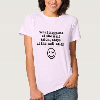 Salão de beleza engraçado do prego t-shirts