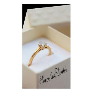 Salvar o anel de noivado da data na caixa cartão de visita