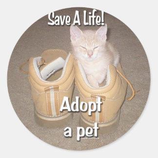 Salvar uma vida adotam um animal de estimação adesivo redondo