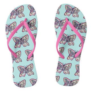 Sandálias cor-de-rosa inspiradas da borboleta da
