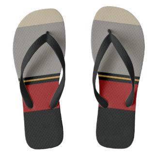 Sandálias pretas, vermelhas, cinzentas, tan