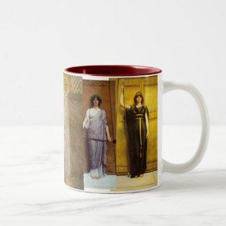 Santo Graal feminino sagrado da sacerdotisa antiga Caneca De Café Em Dois Tons