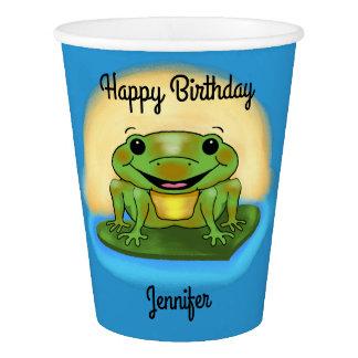 Sapo do feliz aniversario nos copos de papel de