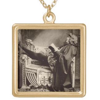 Sarah Bernhardt (1844-1923) como Hamlet no 1899 Bijuterias
