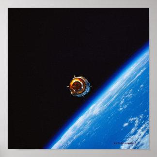 Satélite na órbita 4 impressão