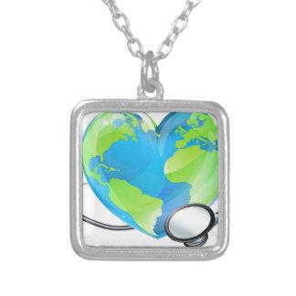Saúde do globo do mundo da terra do coração do colar banhado a prata