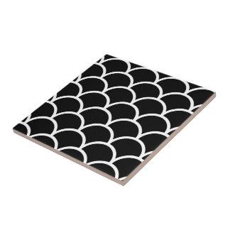 Scallop preto e branco azulejo quadrado pequeno