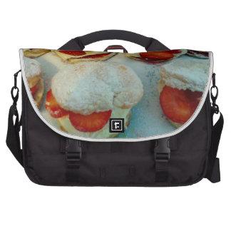 Scones/bolos da morango mochila para laptop