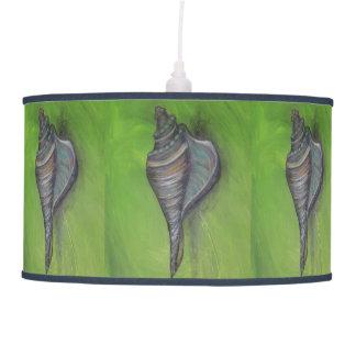 seashell azul na lâmpada verde