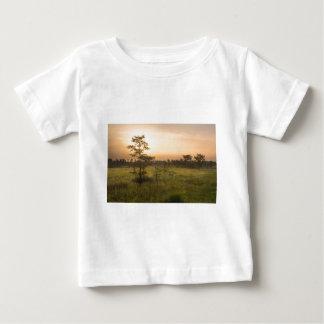Segundo alvorecer na costa de Fakahatchee Camiseta Para Bebê