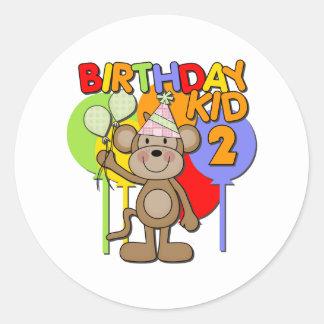 Segundo aniversário do macaco adesivo em formato redondo