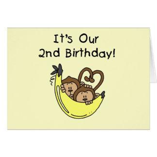 Segundo aniversário gêmeo do macaco da banana dos  cartão comemorativo