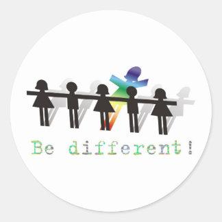 Seja diferente! adesivo em formato redondo