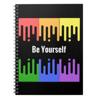 Seja você mesmo caderno com design da pintura do