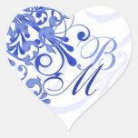 Selo abstrato do envelope floral do azul e do adesivos em forma de corações