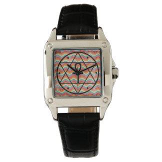 Selo de Solomon com o relógio da correia de couro