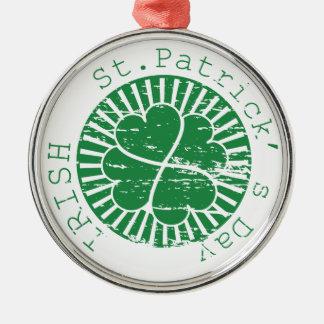 Selo do Grunge do dia do St. Patricks Ornamento Redondo Cor Prata