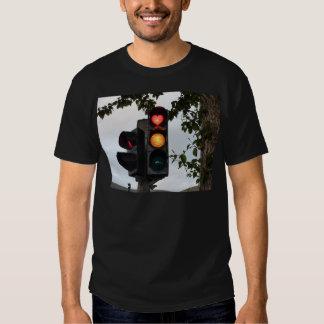 Semáforo de coração camisetas
