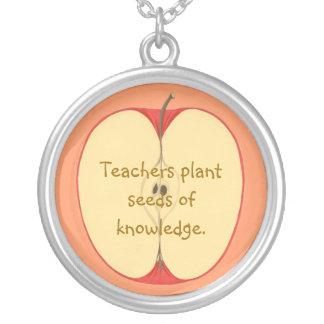 Sementes do conhecimento, colares da planta dos