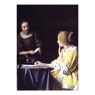 Senhora com o Maidservant que guardara a letra por Convites