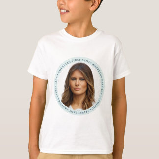 Senhora do TRUNFO de Melania primeira Camiseta