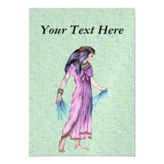 Senhora egípcia bonito antiga princesa no roxo