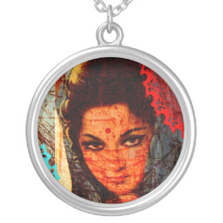 Senhora indiana colar com pendente redondo